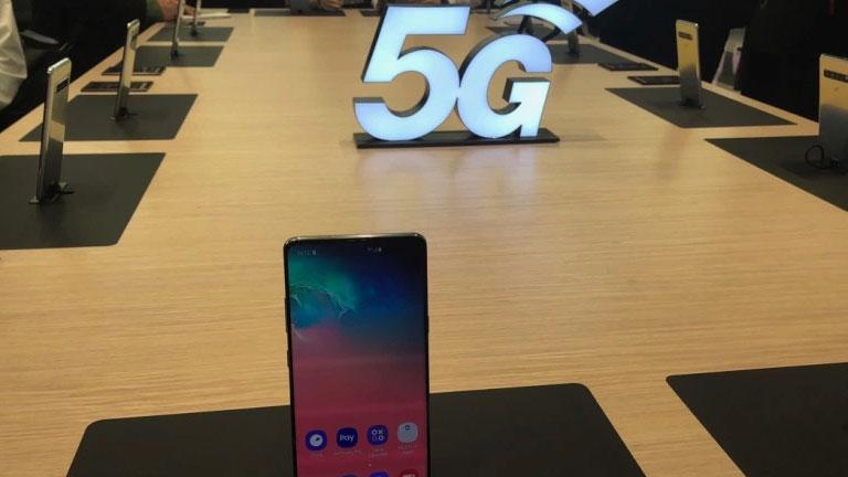 El Galaxy S10 5G llegará a las tiendas el 5 de abril, con un contrato salvaje a cuestas