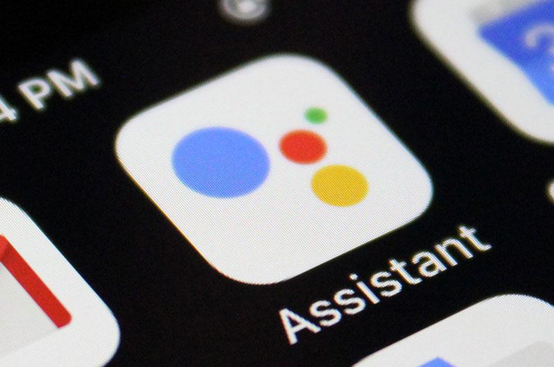 Características del Asistente de Google