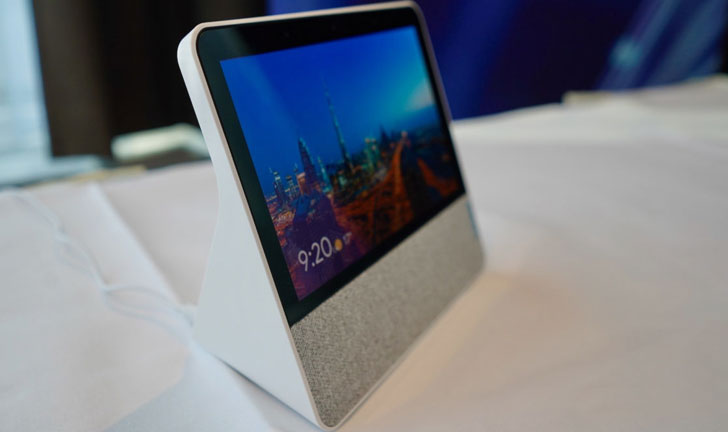 En medio de la creciente competencia, Lenovo regresa con una pantalla inteligente más pequeña