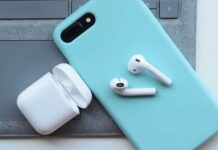 ¿Los auriculares son mejores para tus oídos que los audífonos?