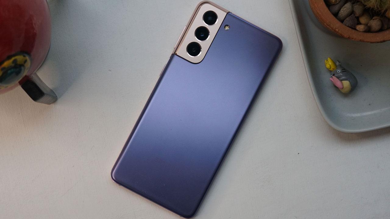 Samsung Galaxy S21 Revisión: No es lo mejor pero está fantásticamente armado